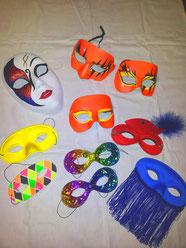 Diverse Masken, Fr. 2.- / 6.-