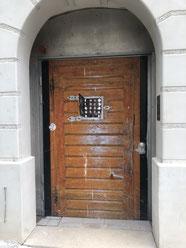 Eingang zum Narrenturm