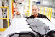 Aston Martin Motorenwerk Koeln Motormontage