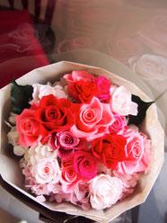 バラのプリザーブドフラワー花束