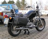 Mopeds, Biker und Club