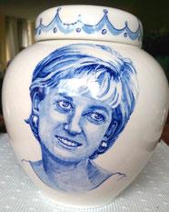 Unieke-handbeschilderde-Urnen-Urn met-portret-Delfts-Blauw