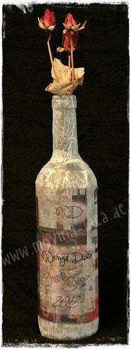 Weinflasche mit Firmenlogo