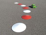Curbs als Begrenzung von Modell-Rennstrecken