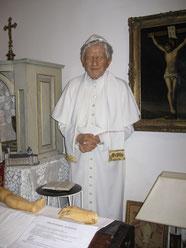 Papst Benedikt aus Wachs
