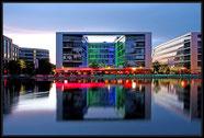 Duisburg Innenhafen zur blauen Stunde