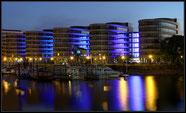 Duisburg Innenhafen, Five Boats zur blauen Stunde
