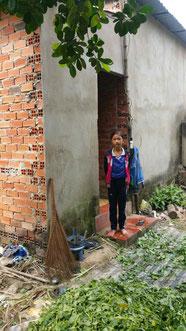 Thanh Hương, vor dem Haus