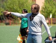 El entrenador del Vicálvaro (Imagen de elgoldemadriz.com)