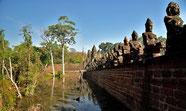 An der Brücke zu Angkor Thom