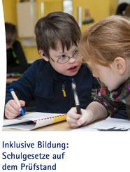 """Deckblatt der Broschüre """"Schulgesetze auf dem Prüfstand"""""""