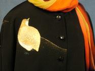 留袖の刺繍を活かしてマントとワンピースが作れます。