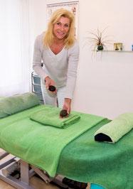Rosy Wurmbrand mit Hot Stone Massage