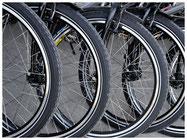 Zweiräder, Fahrräder, Velos