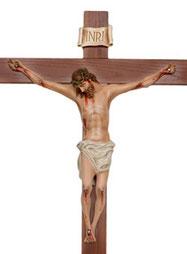 statua gesu cristo in croce