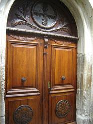 toute nouvelle porte de l'église