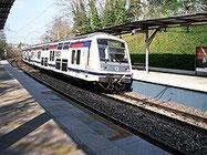 パリの2階建て郊外電車RER