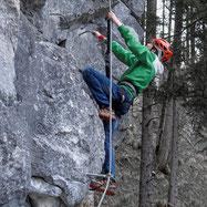 Kletterer am Klettersteig Poppenberg in Hinterstoder, Pyhrn Priel