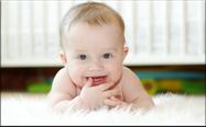 Was empfehlen Zahnärzte für die Pflege von Babyzähnen? (© ivolodina - Fotolia.com)