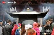 〈浅草・浅草寺 本堂前〉2014.04.18