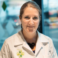 Eléonore Grand, Assistante en pharmacie