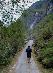 Wanderung zum Vettisfossen