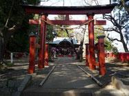 麻賀多神社(船形)の鳥居と本殿
