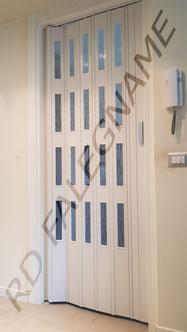Porta a Soffietto in PVC Bianco con Vetri