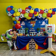 mesa de dulces de toy story