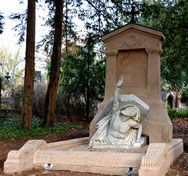 Cimetière de la Madeleine-Amiens- Tombe de Jules verne