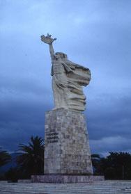 "Denkmal ""Mutter Albanien"""