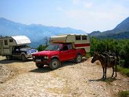 Nissan in Albanien 2005