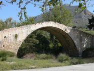 Brücke über  Megalopotamos