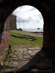 Meterdicke Festungsmauern