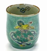 九谷焼通販 おしゃれなお湯呑 湯飲み ゆのみ茶碗 大 宝尽くし 緑塗り 裏絵