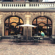 Das Kaffeehaus Pano liegt zentral zwischen der Marktstätte in Konstanz und dem Ufer des Bodensees.