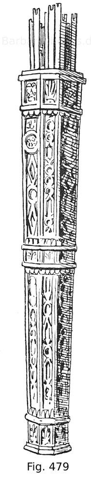 Fig. 479. Köcher der venezianischen Bogenschützen, aus Holz geschnitzt mit vergoldeten Arabesken auf rotem Grund. Erste Hälfte 16. Jahrhundert. Kaiserliches Waffenmuseum in Zarskoë-Selo.
