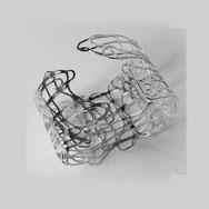 Armband, Armreif, Silber 925/000, Sterlingsilber, Drahtgewebe, Zart, Luftig, Durchbrochen,  Breit, Groß, Frauen, matte Oberfläche, Künstlerischer Schmuck, Phantasievoll, Einzelstück, Individuell, Struktur