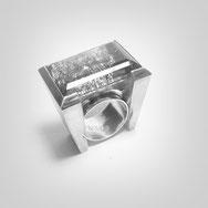 Schmuck, Ring, Weiblich, Frauen, Silber 925/000, Sterlingsilber, kreativer Schmuck, Künstlerischer Schmuck, Phantasievoll, Einzelstück, Edelstein, Großer Stein, Quarz mit Rutil, Schwerer Silberring, individuell, Emotional,