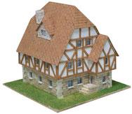 Fachwerkhaus als Kartonmodell der Firma aedes ars