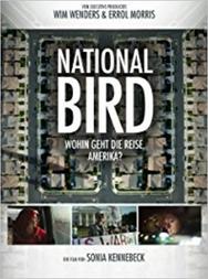 National Bird - Drei mutige Whistleblower brechen ihr Schweigen und sprechen offen über ihre Rolle im Drohnenkrieg der USA. Diese Entscheidung wird ihr Leben für immer verändern.