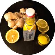 Titelbild Fitness-Rezepte - Selbstgemachter Ingwer Shot mit Zitrone, Orange, Kurkuma