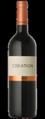 Merlot 2016  Dieser Merlot präsentiert sich in der Farbe wie ein fein geschliffener Rubin. Vielschichtige Aromen von dunklen Früchten, mit feinen Würznoten. Am Gaumen überzeugt dieser komplexe Rotwein mit dunkler Schokolade und Mokka, in Einklang mit saft