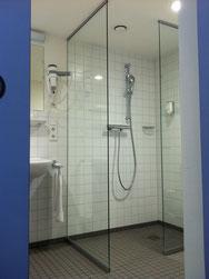 WC-Trennwände, Dusch-Trennwände, Glasanlagen, Glassysteme, Umkleidekabinen, Umkleideschränke, CABRILLANT, GSK Worm GmbH