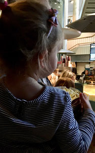 Warten auf das Disney Junior Mitmach-Kino