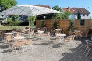 Sonniger Biergarten / Außenterasse des Neuweiler Hof Sulzbach Saar