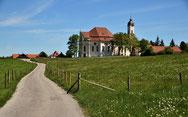 Das UNESCO Weltkulturerbe Wieskirche bei Steingaden . Station auf der Radreise vom Bodensee zum Königssee