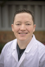 Dr. Daniel Siriphongs