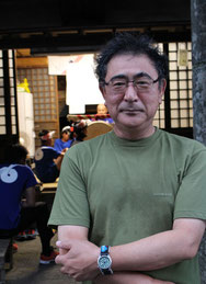 自治会長の吉村和芳さん。「回しにくい船ですが、あとは根曳衆のがんばりですね」