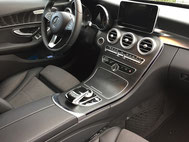 Fahrtenbuch für Mercedes-Benz rechts an der Mittelkonsole